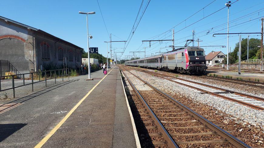 Pas de trains entre Paris et La Souterraine pour le pont du 11 novembre - France Bleu