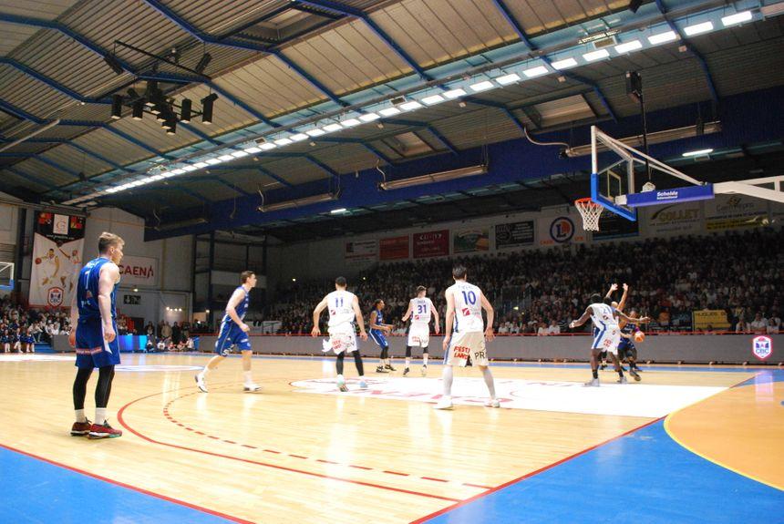 L'actuel palais des sports lors d'un match du Caen Basket Calvados