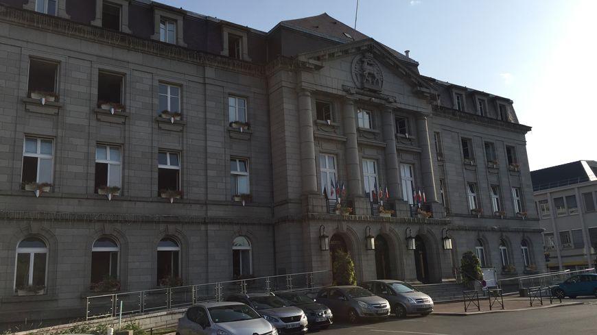 La mairie de Guéret (Creuse) le 24 juillet 2019.