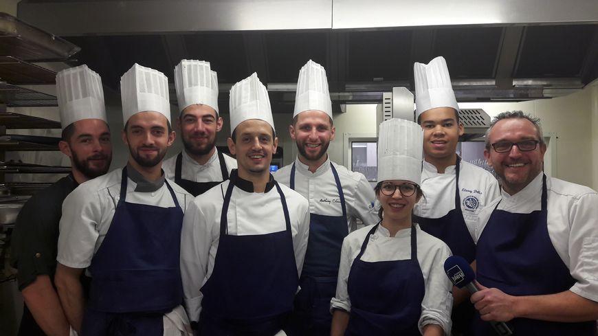 Jérémy Morin et son équipe -Restaurant l'Aparté à Montrabé en Haute-Garonne