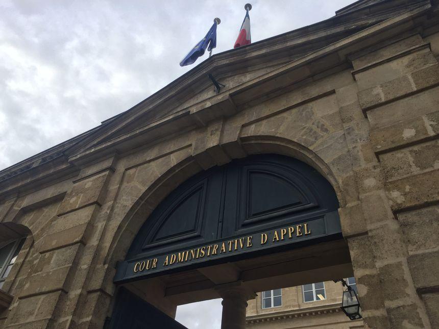 La rapporteure publique estime qu'il faut annuler l'arrêté préfectoral autorisant les travaux de Beynac et détruire les travaux