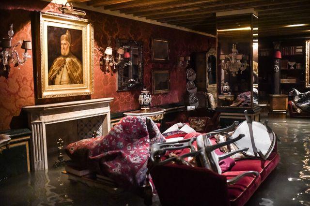 Une partie du Palais Gritti, hôtel de luxe situé près du Grand Canal, complètement inondée.