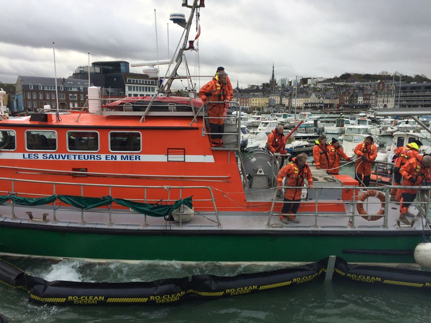 Beaucoup d'acteurs du monde de la mer participent à cet exercice dont les marins de la SNSM
