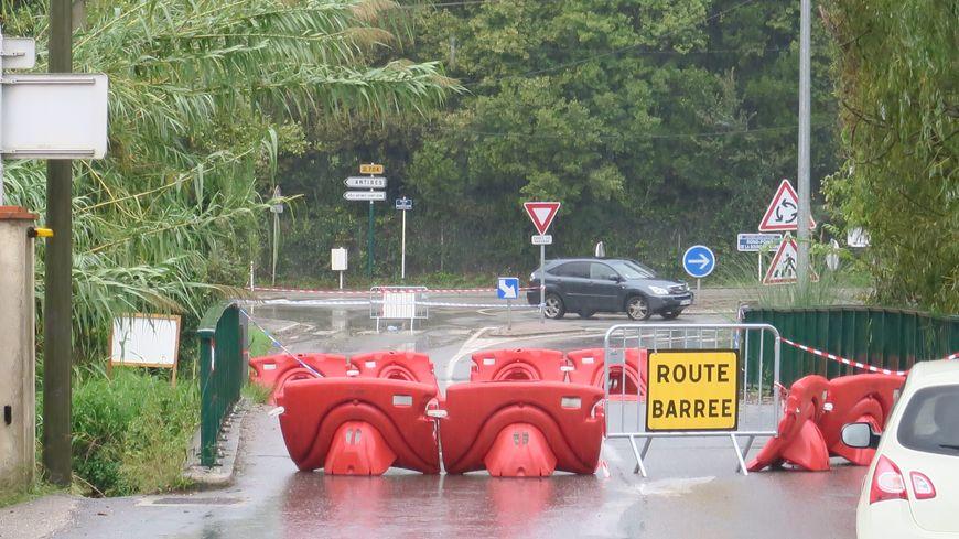 Les violentes intempéries samedi ont provoqué la fermeture de nombreuses routes secondaires dans les Alpes-Maritimes.