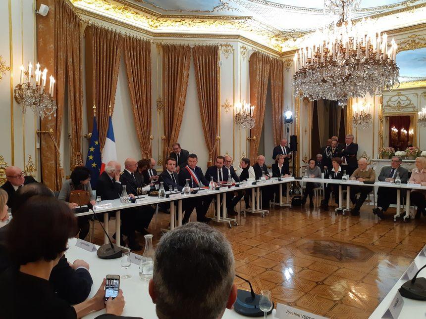 Conseil municipal en présence d'Emmanuel Macron
