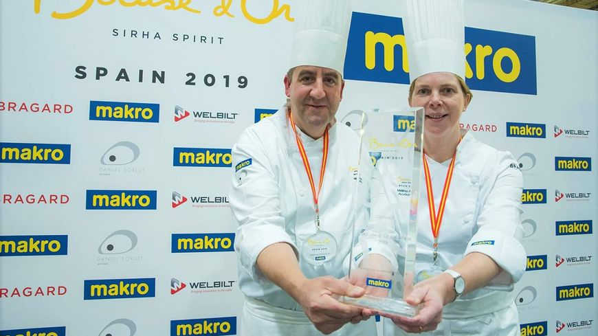 """Albert Boronat, vainqueur du """"Bocuse d'or"""" espagnol avec sa femme Mélina Allair, à la mi novembre 2019 à Madrid."""