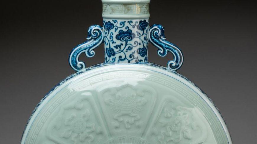 Gourde Baoyueping de l'empereur Qianlong - XVIIIe siècle - Vente Rouillac 2018