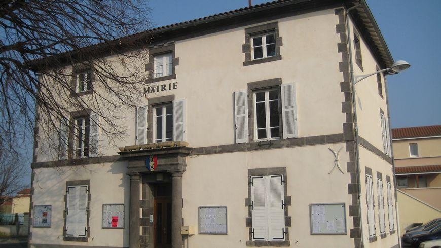 Le mairie de Lussat (Puy-de-Dôme)