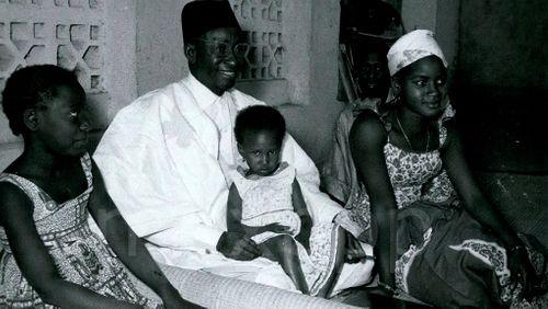 Amadou Hampâté Bâ (1900-1991) :   l'homme à fables
