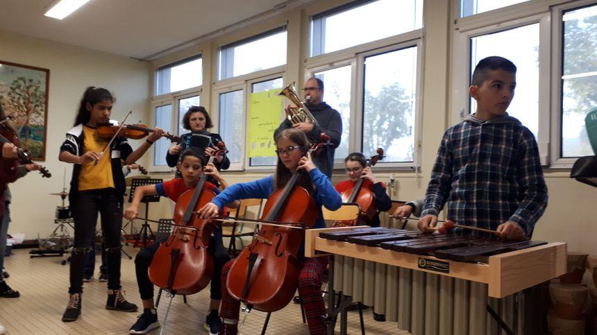 La classe orchestre de l'école d'Avallon a été la première du département.