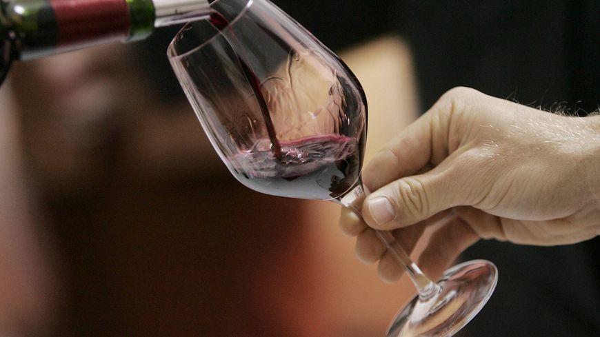 L'INAO demande le retrait du logo Sud de France des bouteilles de vin au nom de la réglementation européenne (illustration)