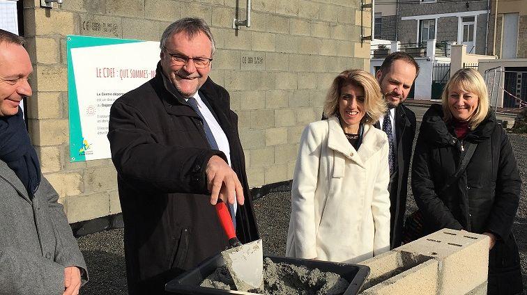 Le président du conseil départementale de la Haute-Vienne Jean-Claude Leblois a posé la première pierre