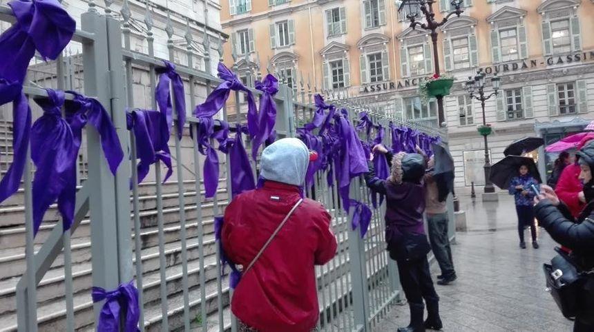Elles étaient une cinquantaine à braver les intempéries samedi pour manifester jusque devant le Palais de Justice de Nice pour défendre les femmes