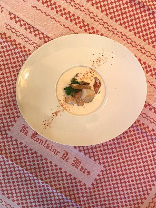 Plat à base de haricots tarbais, restaurant La Fontaine de Mars dans le 7ème arrondissement de Paris