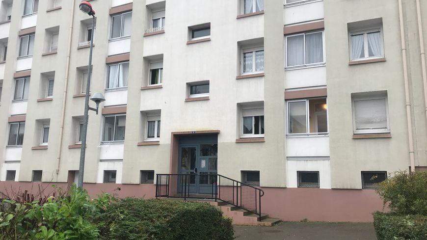 Les trois blessés se sont réfugiés chez une connaissance dans cet immeuble après les coups de feu