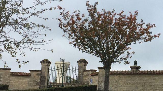 Une nouvelle antenne de téléphonie pourrait s'implanter derrière le cimetière de Flogny-la-Chapelle