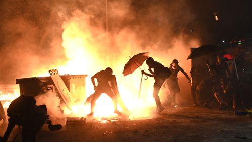A Hong Kong, la contestation pro-démocratie perd espoir et bascule dans l'insurrection permanente