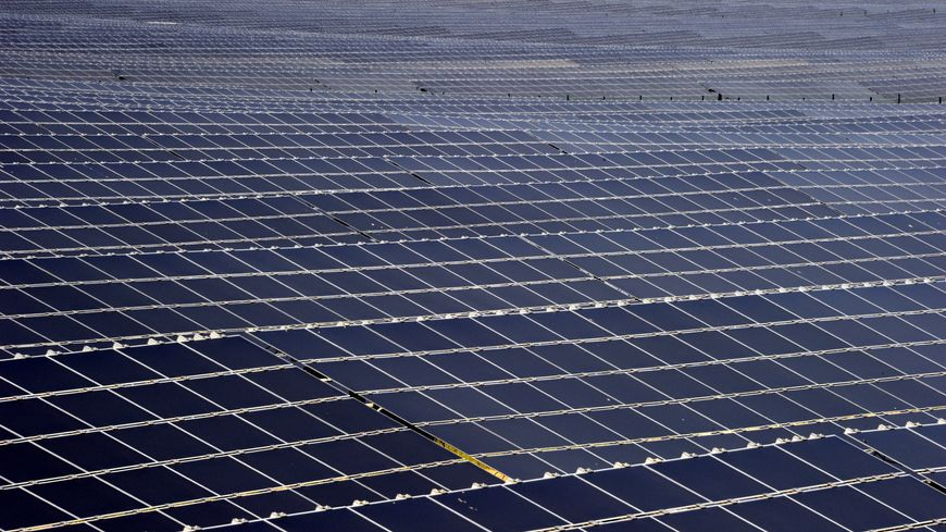 Le plus grand parc solaire de France se situe à Rosières-en-Haye sur l'ancienne base aérienne 136