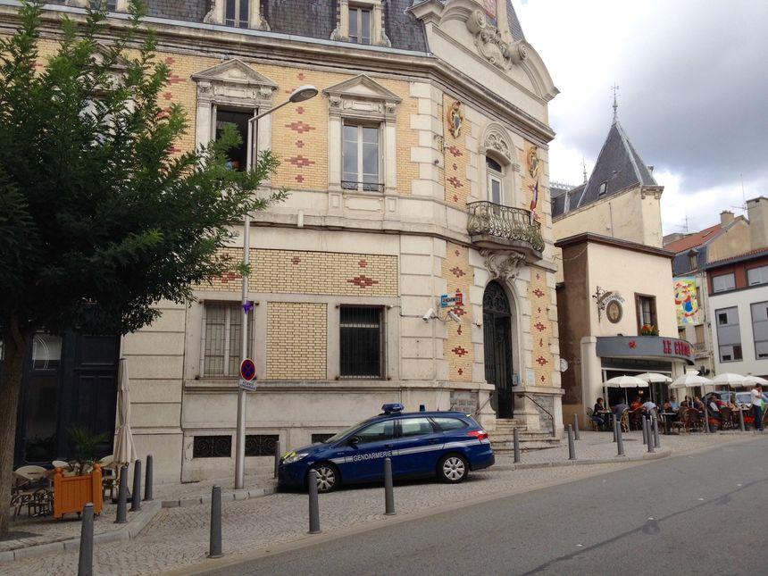 Les locaux de la brigade de gendarmerie dans le centre-ville de Thiers