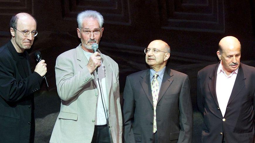 Jean Mardikian (deuxième en partant de la droite), aux côtés de Claude Moliterni, Francis Groux, et Philippe Geluck