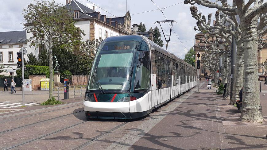Tramway de Strasbourg place Broglie / Tram / Transport / mobilité