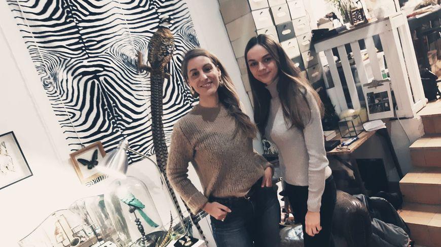 Céline Bouriaud Lemesle et Vanille Maherault, dans la boutique de Lady Amherst à Laval