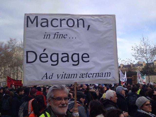 Une pancarte... de latiniste !
