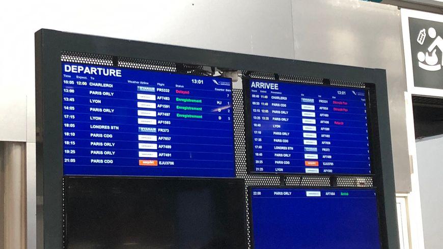 Deux vols déroutés et un annulé ce dimanche matin à cause du brouillard à l'aéroport de Biarritz Pays Basque