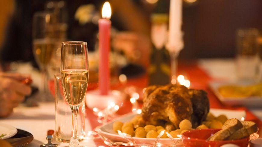 Avant le réveillon du 31 décembre, boire beaucoup d'eau permet d'éliminer les toxines.