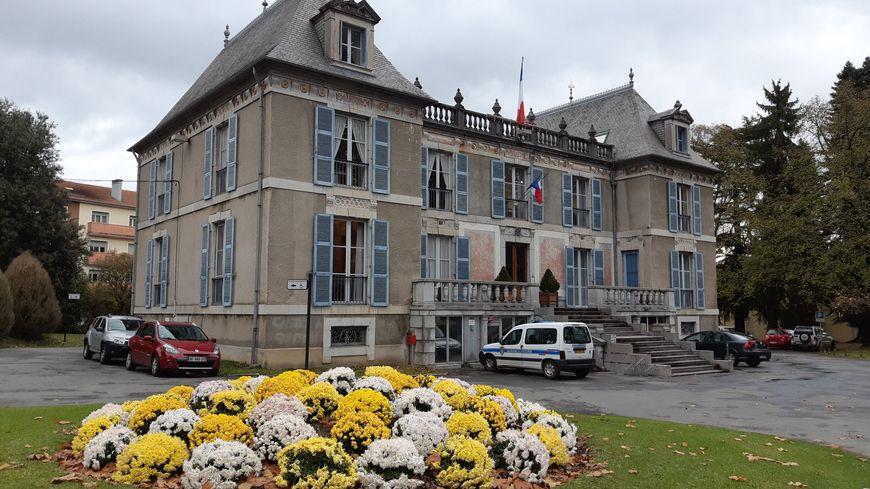 La mairie de Bagnères de Bigorre.