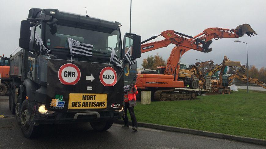 Le dépôt pétrolier de Vern-sur-Seiche toujours bloqué par les professionnels du BTP