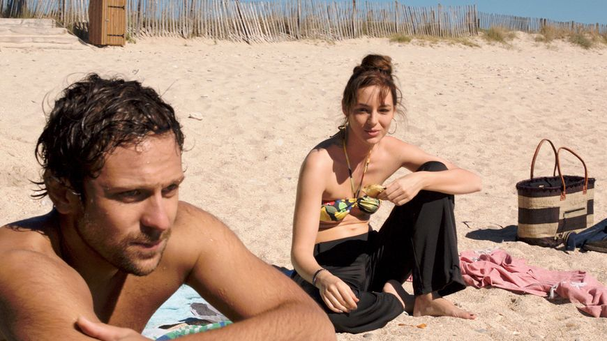 Louise Bourgoin et Pierre Rochefort sur la plage de Villeneuve-lès-Maguelone