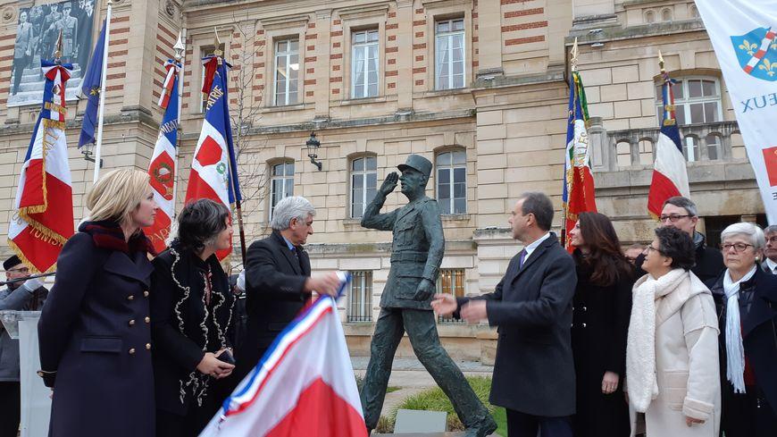 La nouvelle version de la statue du général de Gaulle, restaurée,  a été dévoilée ce jeudi 19 décembre à Évreux