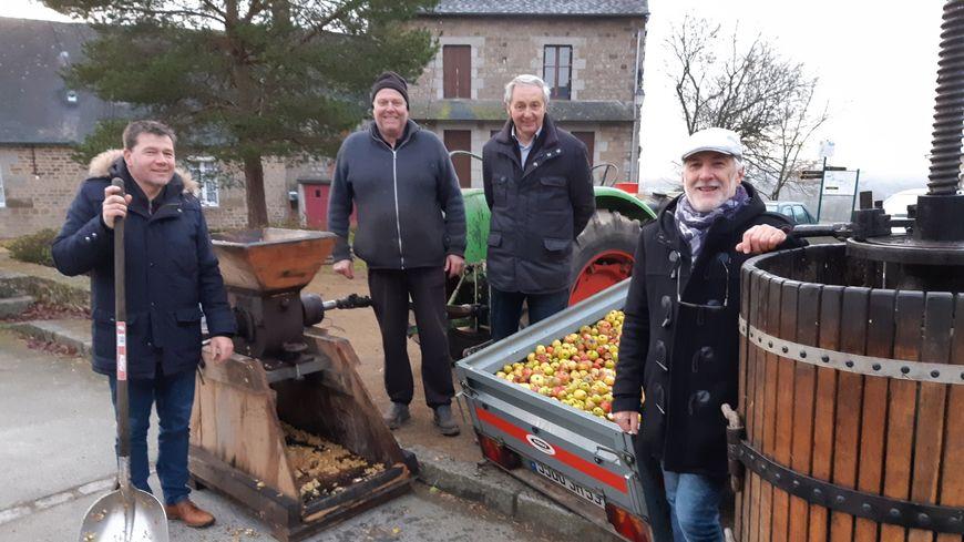 Les bénévoles de l'épicerie de St Mars sur la Futaie