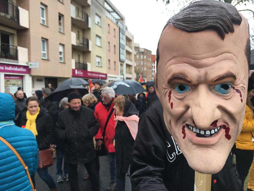 """""""Si tous les salariés faisaient bloc et manifestaient tous ensemble dans la rue, ça ferait un Noël vachement joyeux !"""" - Olivier Guixe, CGT"""
