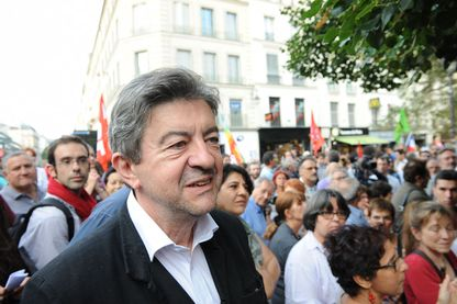 Portrait de Jean-Luc Mélenchon dans le défilé d'une manifestation à Paris.