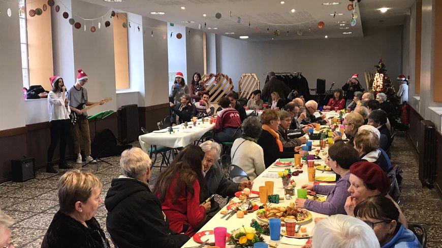 Une cinquantaine de personnes s'est retrouvée dans la Maison d'accueil de Lesneven mercredi