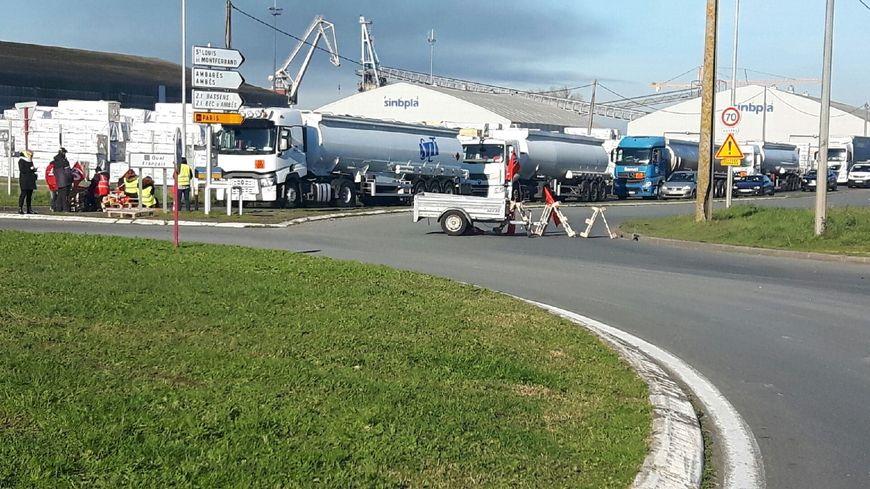 Blocage depuis 4h du matin sur la zone portuaire de Bassens