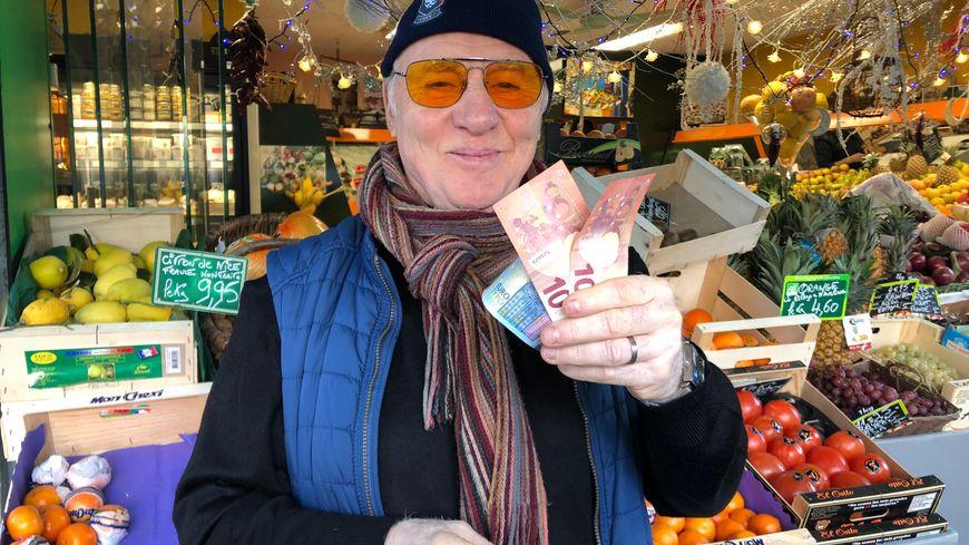 Michel Bruneau, le chef de France Bleu, n'a que 40 euros pour réaliser un menu de fêtes.
