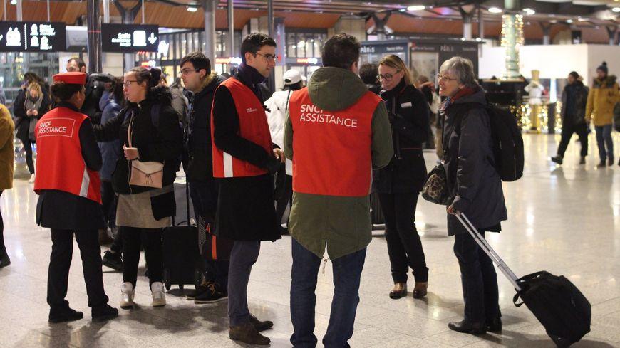"""Le trafic SNCF toujours """"très perturbé"""" ce jeudi (photo d'illustration)."""