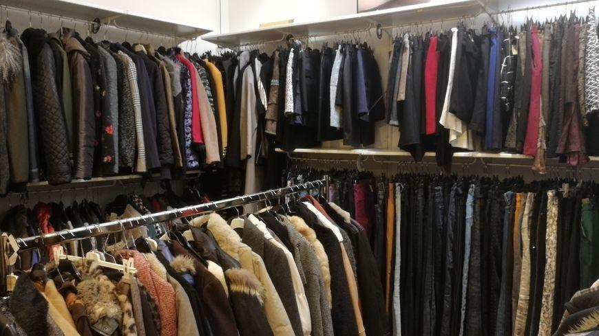 Des vêtements qui n'attendent que leurs nouvelles propriétaires