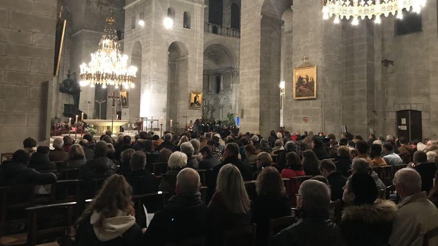 La messe de minuit en la cathédrale Saint-Front de Périgueux