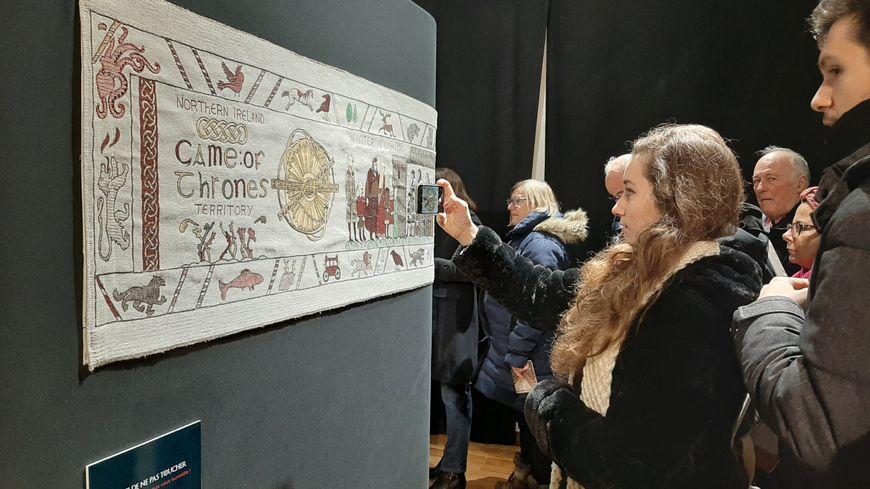 Les visiteurs sont venus nombreux pour le dernier week-end d'exposition de la tapisserie Game of Thrones à Bayeux