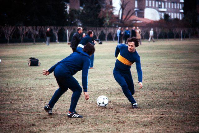 Bernard Lacombe (à droite), lors d'un entraînement à Buenos Aires en marge de la coupe du Monde 1978 en Argentine