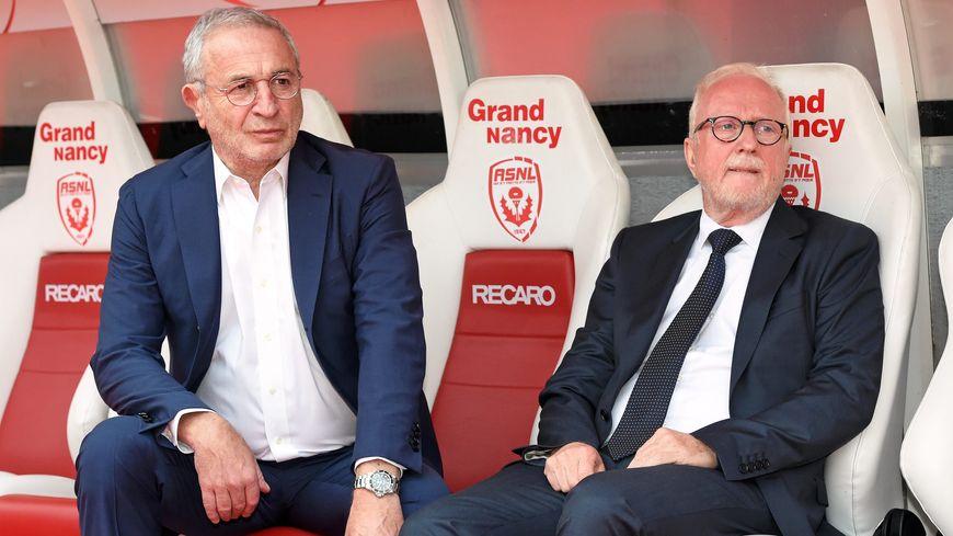 Jean-Michel Roussier et Jacques Rousselot,  lors de la présentation des joueurs