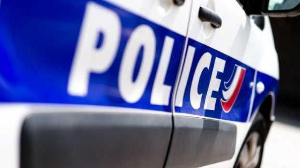 Les policiers ont été visés par des tirs de projectiles.