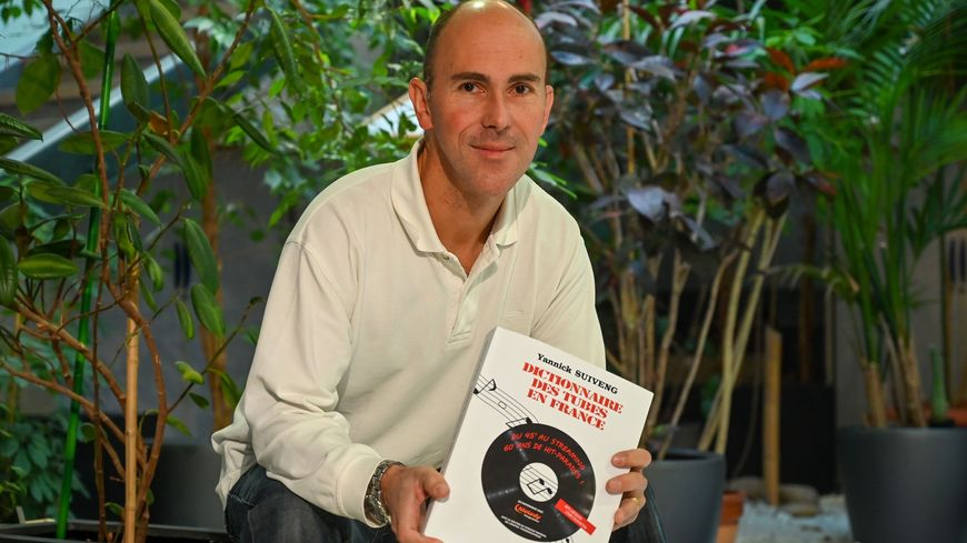 """Yannick Suiveng, l'auteur du """"Dictionnaire des tubes en France"""""""