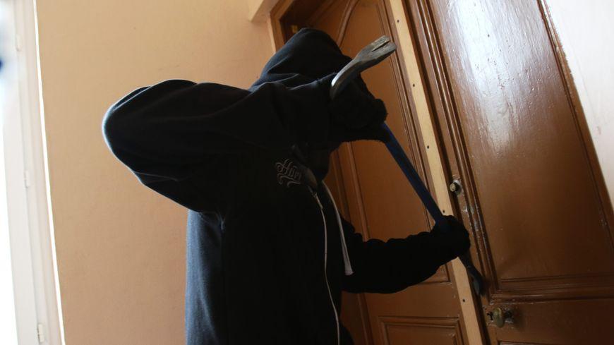 La police nationale de la Creuse alerte sur un risque accru de cambriolage, la nuit du réveillon.