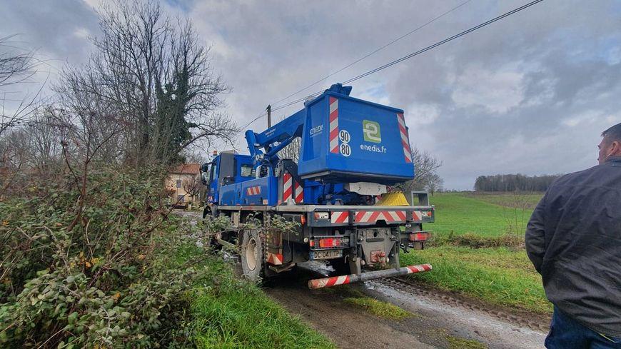 Plus de 100 agents d'Enedis sont mobilisés en Dordogne après le passage de la tempête Fabien (illustration)