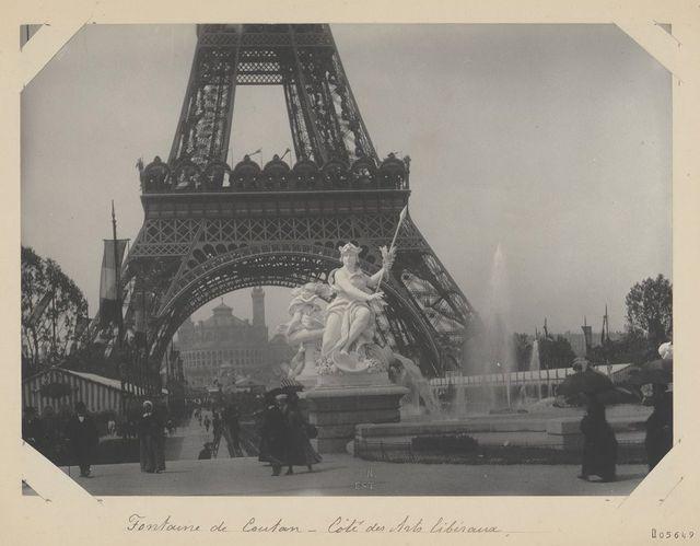 La Fontaine Coutan lors de l'exposition universelle de 1889 sous la Tour Eiffel - Hippolyte Blancard